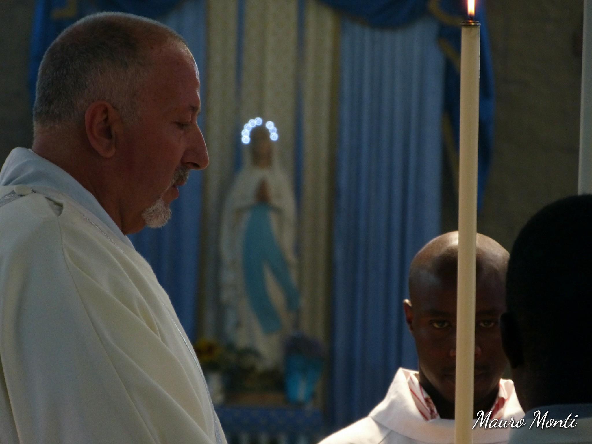 Celebrazione eucaristica. Preside S.E.R: Mon Antonio Santarsiero vescovo di Houcho - Lima Perù